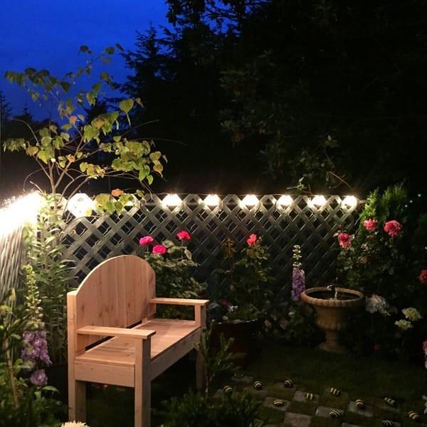 Даже днём от вида садика перехватывает дыхание. Но ночью он ещё более очарователен! Особенно при свечах. идеи для дачи, подарки детям, сад