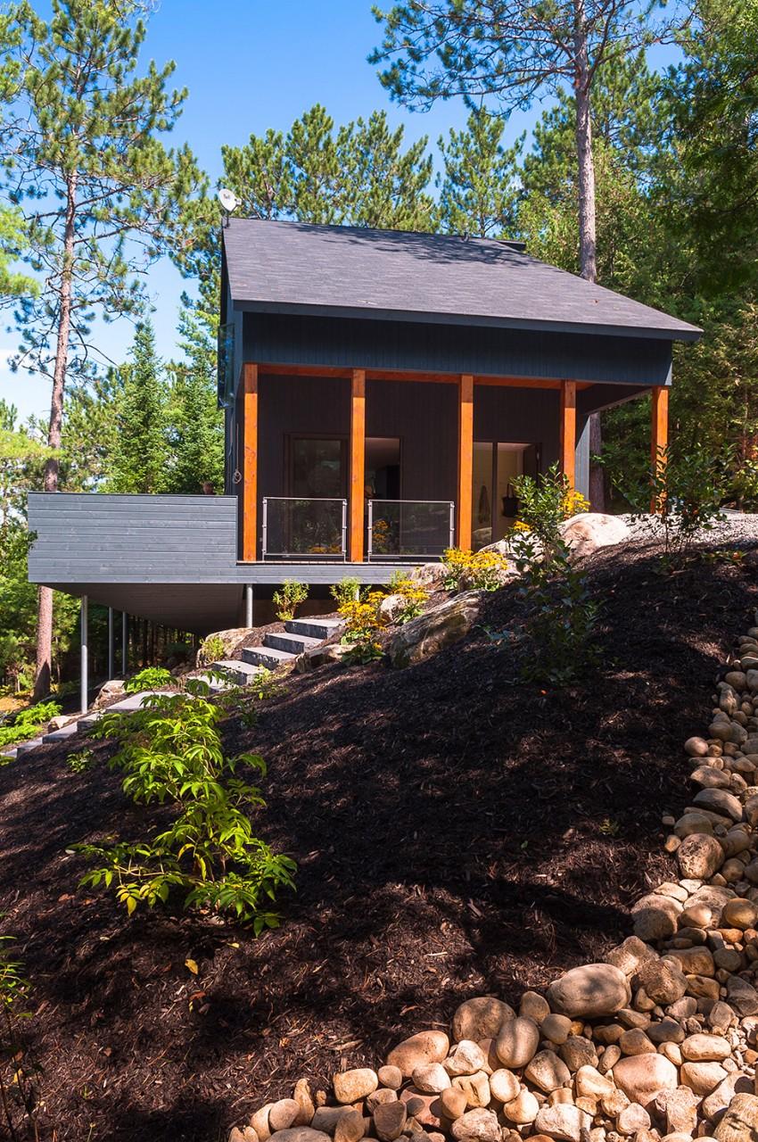 Загородный дом у горного озера