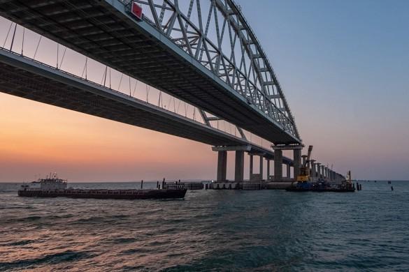 На Украине постоянно сочиняют небылицы про Крымский мост. Фото: most.life