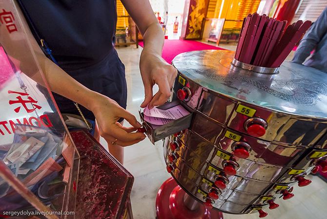 Экскурсия в индуистские и китайские храмы Куала-Лумпура