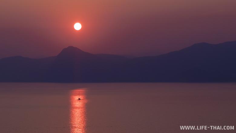 Закат в Крыму, мыс Меганом