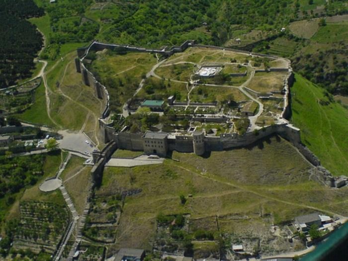 Дербент - старейший город в России