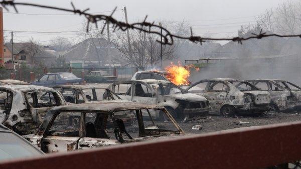 Война на Украине: ВСУ обстреляли посёлок Коминтерново в Донбассе