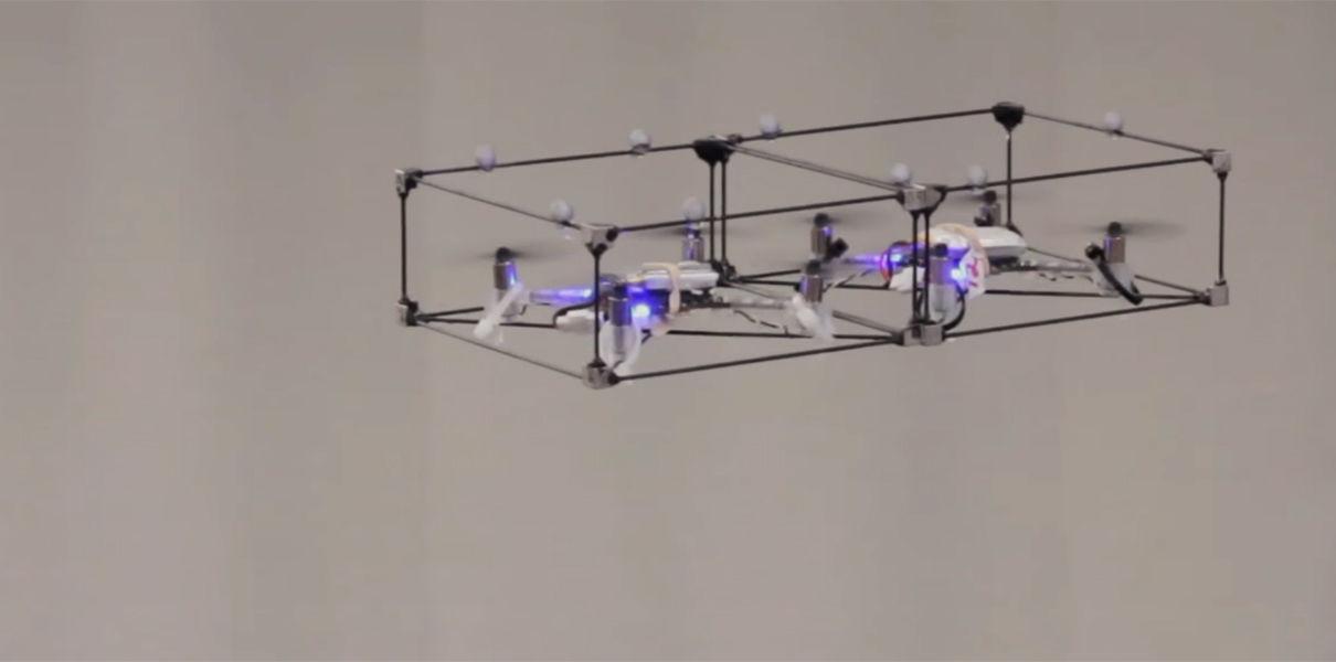 Новый модульный дрон может сам собирать себя в полете