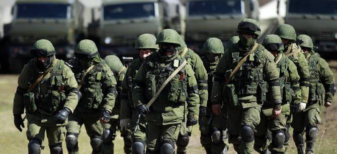 Это уже не шутки: В Москве предупредили о возможном появлении в Донбассе «более серьезных» добровольцев и вооружений