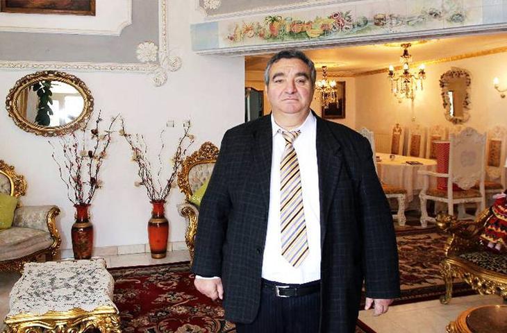 Флорин Чоаба был известным цыганским бароном и «королем всех цыган». Он скончался 18 августа 2013 года. мифы, цыгане