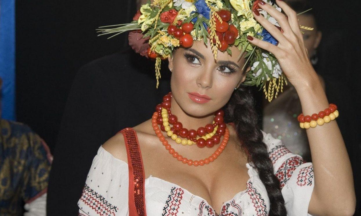 уже опостылел, видео с украинскими женщинами голой кроватке, молодая
