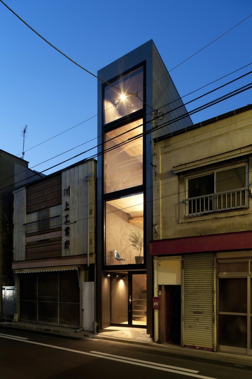 Дом шириной 1,8 метра в Японии