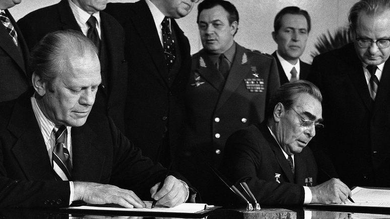 Atlantic: 42 года назад Брежнев тоже хотел повлиять на выборы в США