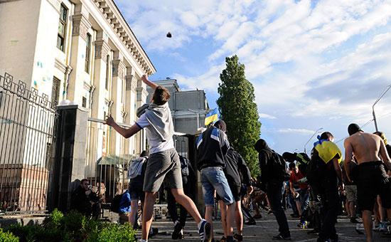 Организаторы нападения на посольство России в Киеве будут наказаны. Мы проследим кем и когда
