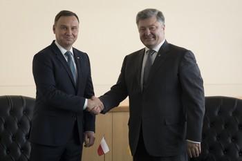 """Порошенко и Дуда  обсудили учения """"Запад-2017"""""""