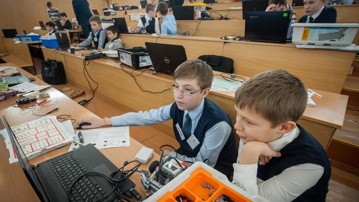 Пентагон в российских школах. Кто подпустил шпионов к нашим детям