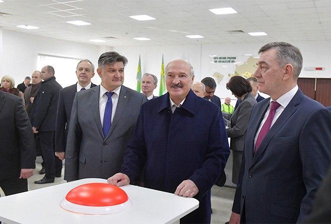 Пошатнувшегося Лукашенко дел…