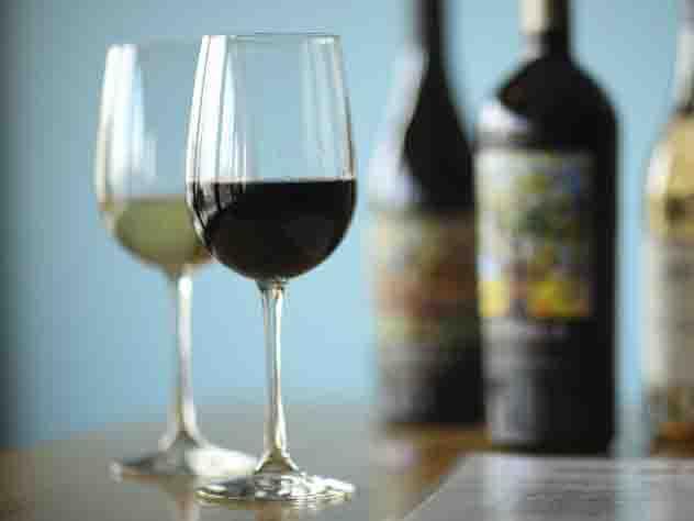 «Умный» штопор нальет вино из закрытой бутылки