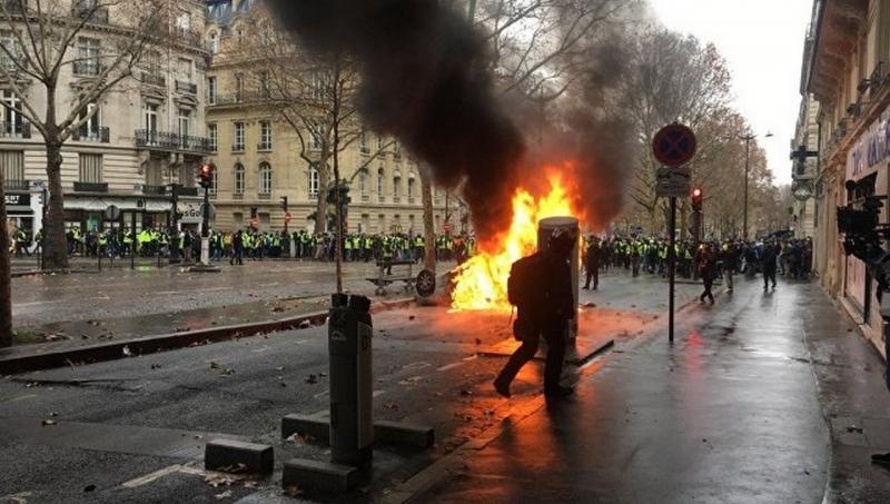 Майдан, французская версия: …