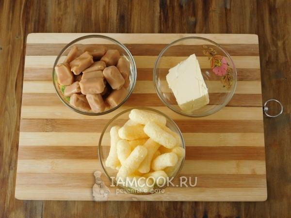 Ингредиенты для колбасы из ирисок и кукурузных палочек
