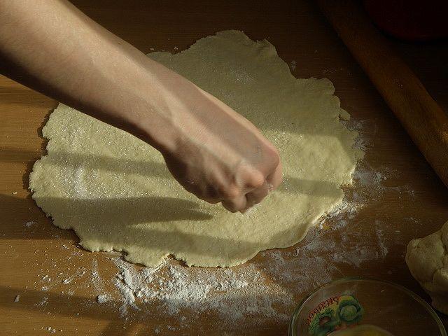 Посыпаем сахаром. пошаговое фото приготовления творожного печенья