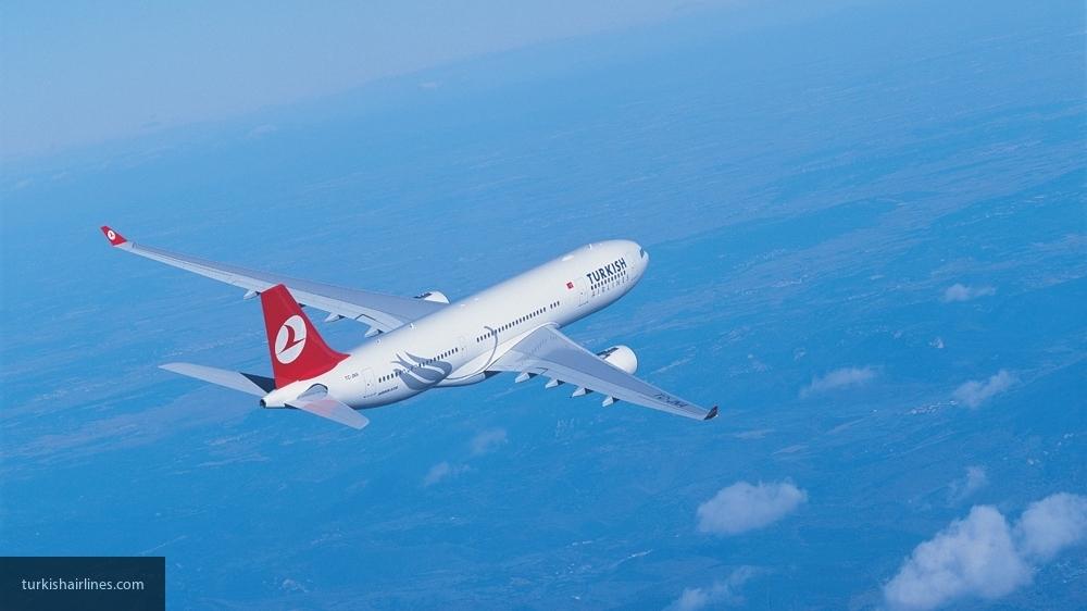 США сняли запрет на провоз электронных устройств в салоне самолетов из Турции
