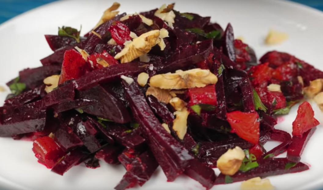 5 витаминных салатов из самых простых продуктов