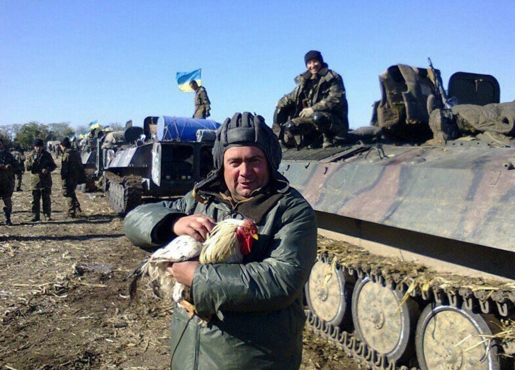ВСУшники грабят и избивают жителей ЛНР, торгующих на рынке в Станице