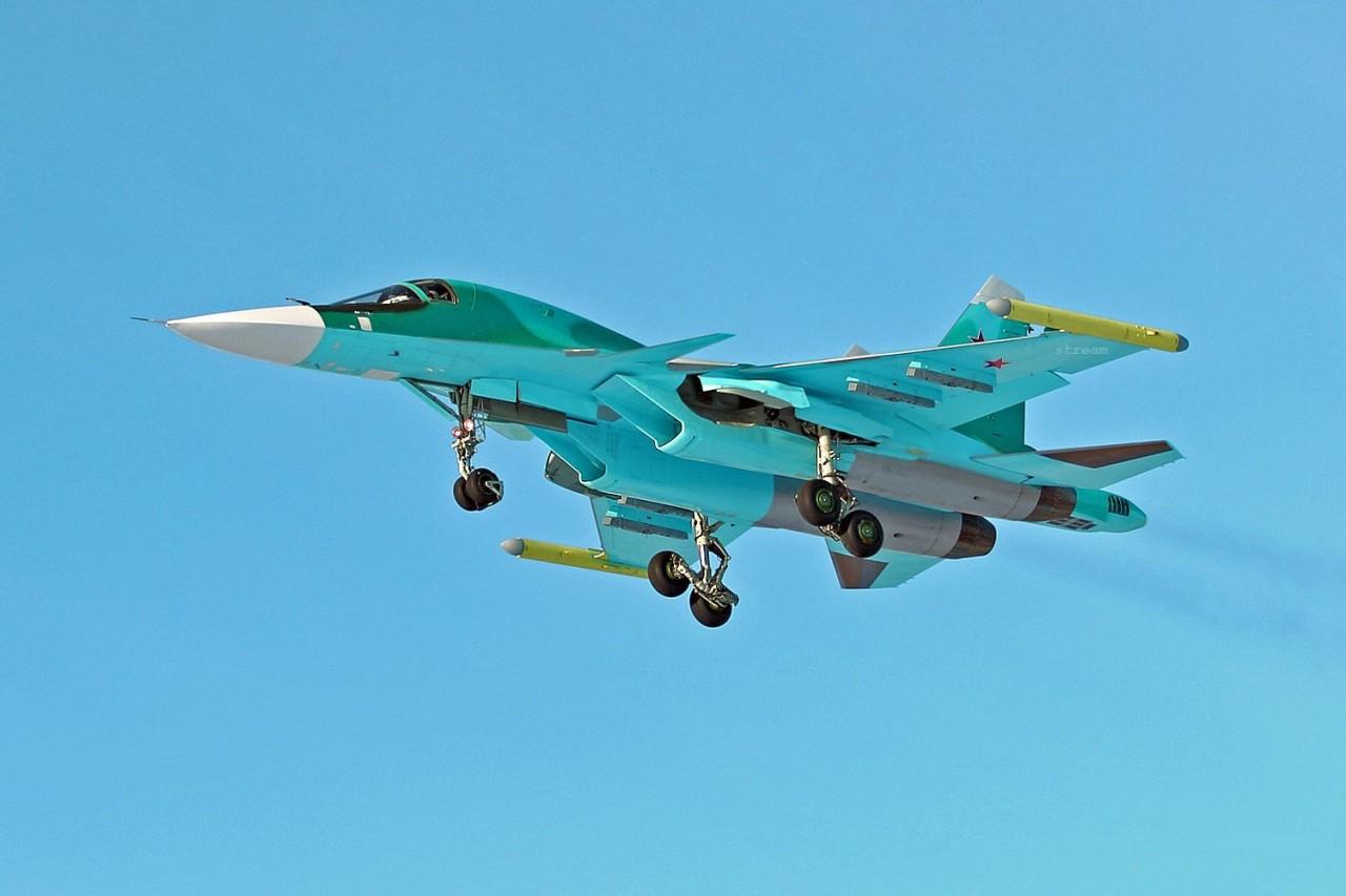 ВКС России получили еще четыре бомбардировщика Су-34