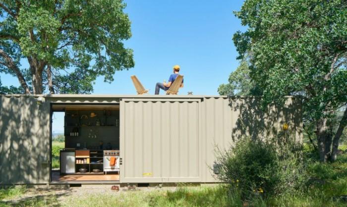 Дом из контейнеров - дешевый и быстровозводимый вариант для отдыха на даче