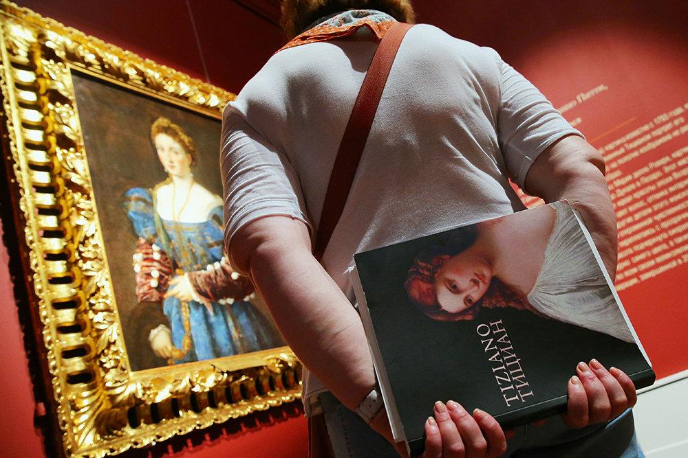 Лучшие выставки июня: три венецианца и коллекция Владимира Спивакова
