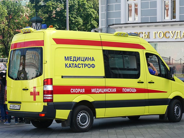 Астрахань. Со сломанным позвоночником ждал врачей шесть часов