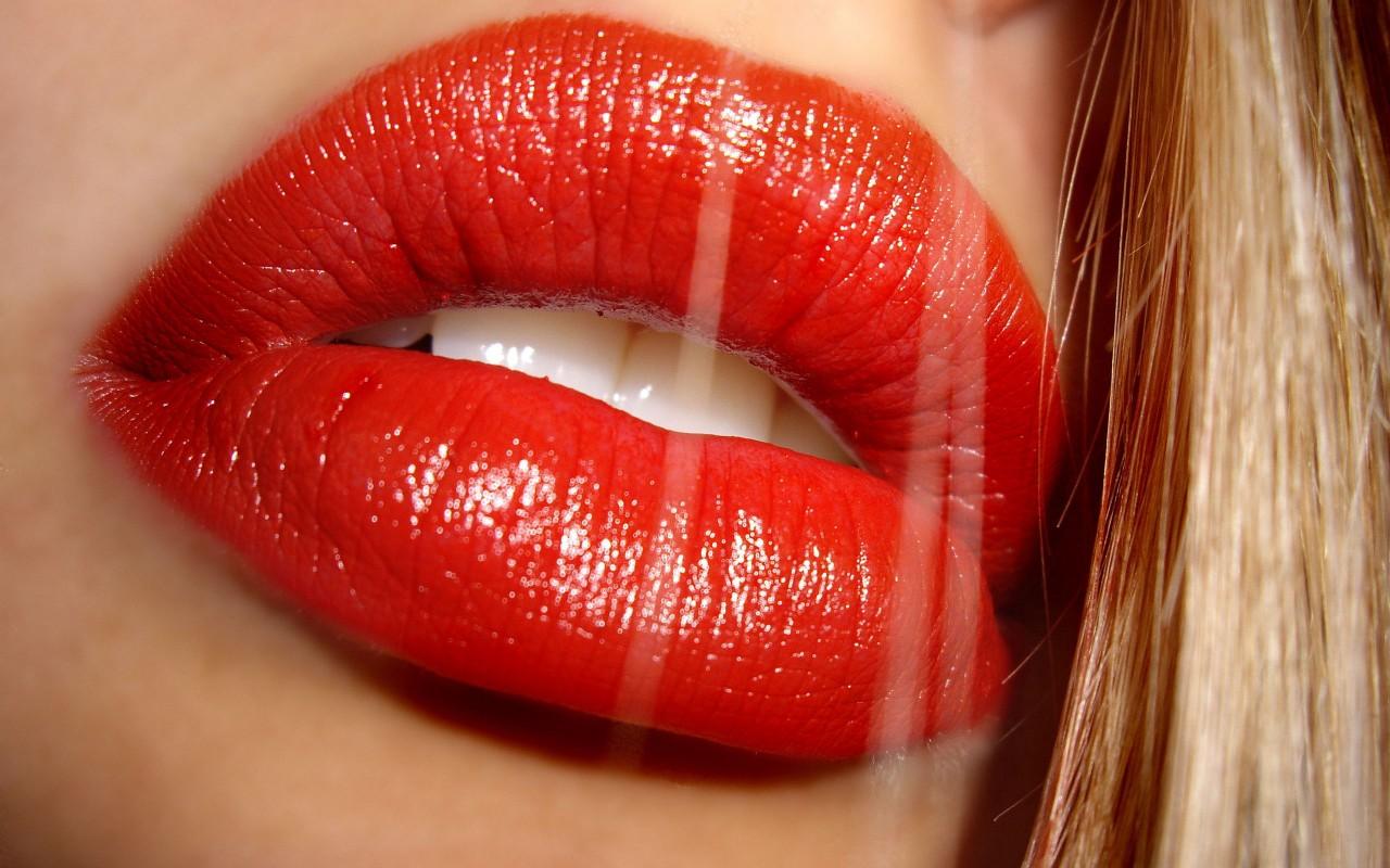 Объясняем на пальцах: Сколько еды нужно съедать каждый день. Как правильно красить губы