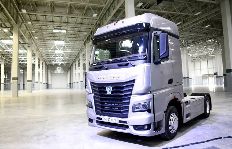 Новейший КАМАЗ пятого поколения идет в серию