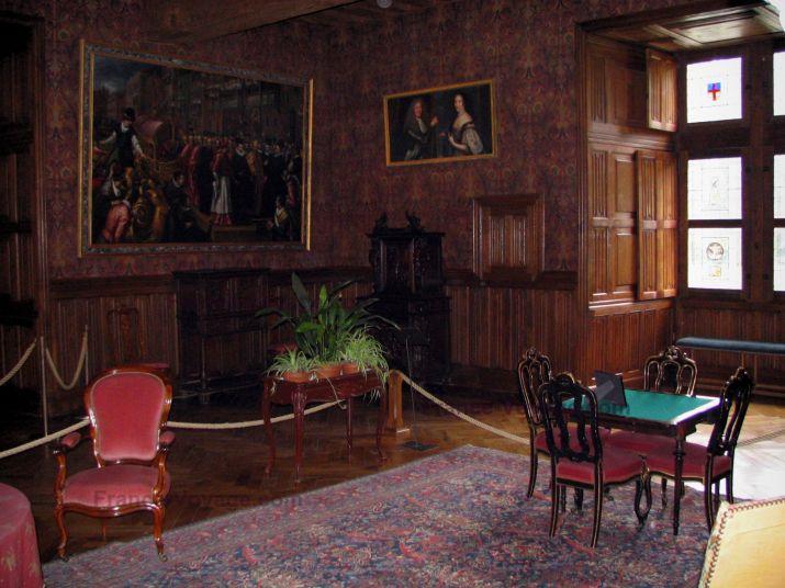 http://www.france-voyage.com/visuals/photos/indre-et-loire/preview/chateau-d-azay-le-rideau-16.jpg