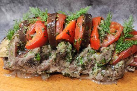 Фото к рецепту: Свиная шея в духовке с овощами