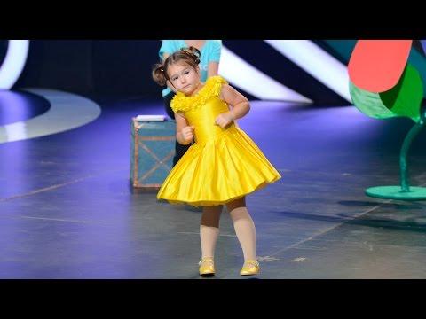 Белла Девяткина: 4-летняя девочка-полиглот...