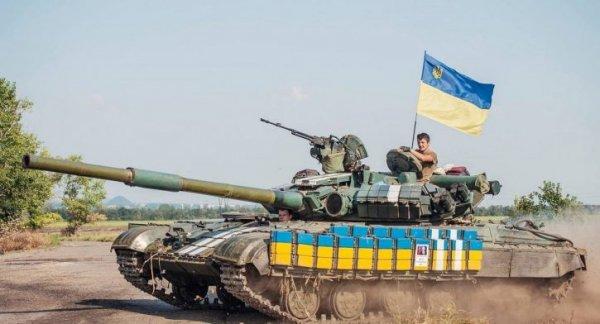 Чтобы остановить пьянку, ВСУ расстреляли магазин из танка
