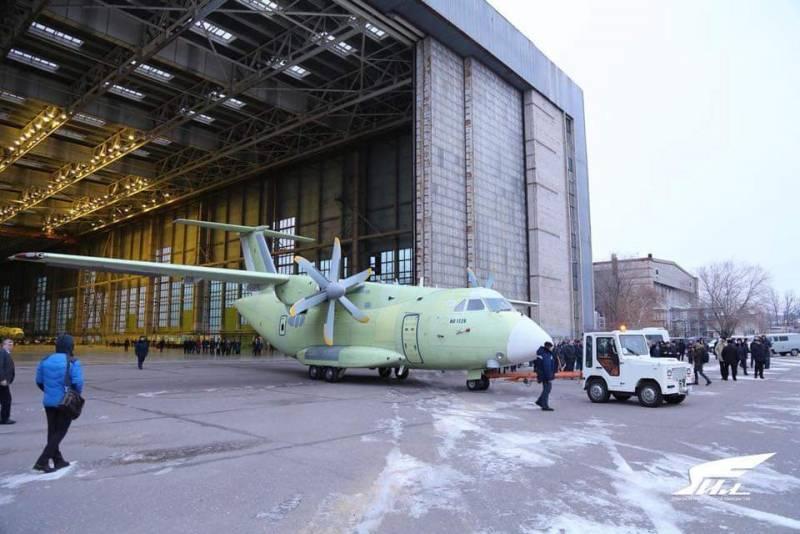 """NI сравнил Ил-112В с украинским  Ан-140, компания """"Ильюшин"""" прокомментировала"""