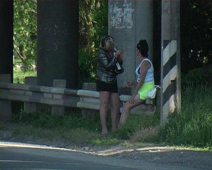 Проститутки маются без дела