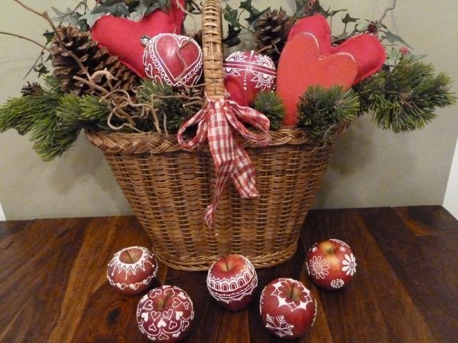 Ажурные яблочки к Рождеству. Очень красиво) (7) (660x495, 196Kb)