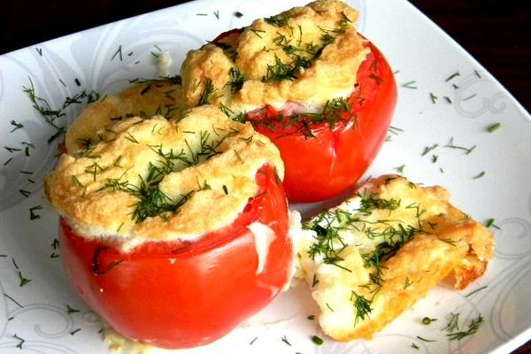 Запеченные помидоры с сыром пармезан
