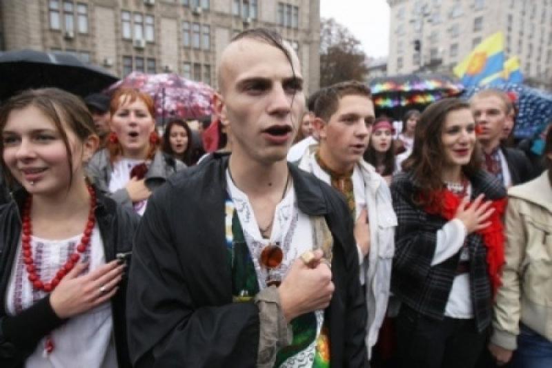 75% гидности: Порошенко хочет, чтобы перед выборами ТВ пело ему оды на мове