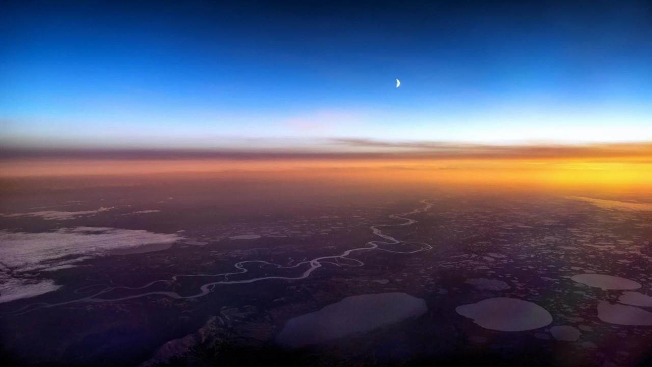 Закат над Аляской аэросъемка, кабина пилота, кабина самолета, красивые фотографии, пилот, с высоты, с высоты птичьего полета, фотограф