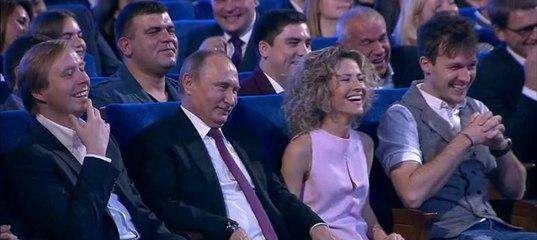 """Оппозиция перенапряглась до посинения: """"Что за девушка рядом с Путиным на КВНе?"""""""