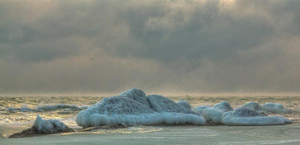 Замерзшее Черное море