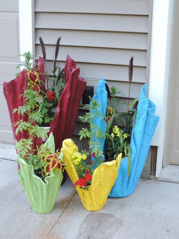 Как сделать своими руками вазоны из цемента для уличных цветов 8