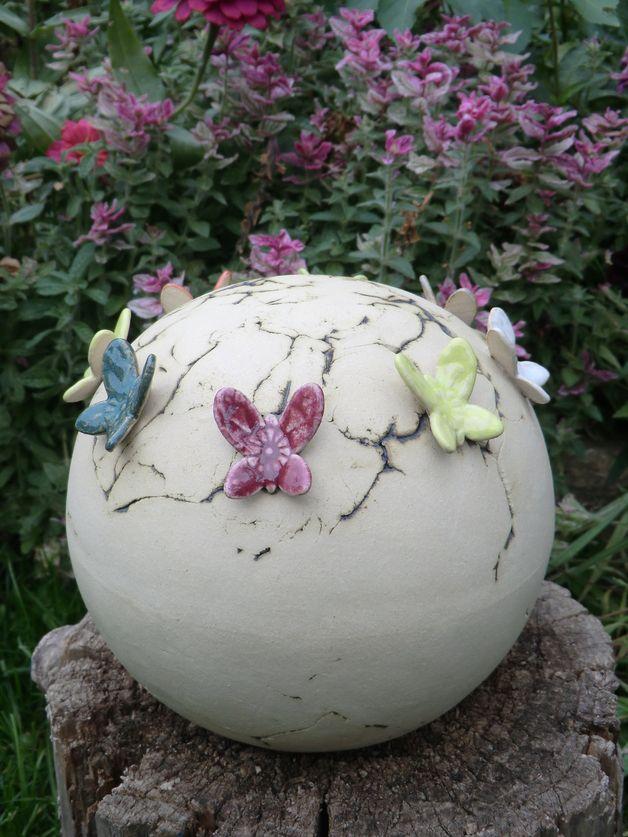 Gartenkugeln & -stelen - Gartenkugel Butterfly - ein Designerstück von Atelier-Keramixx bei DaWanda: