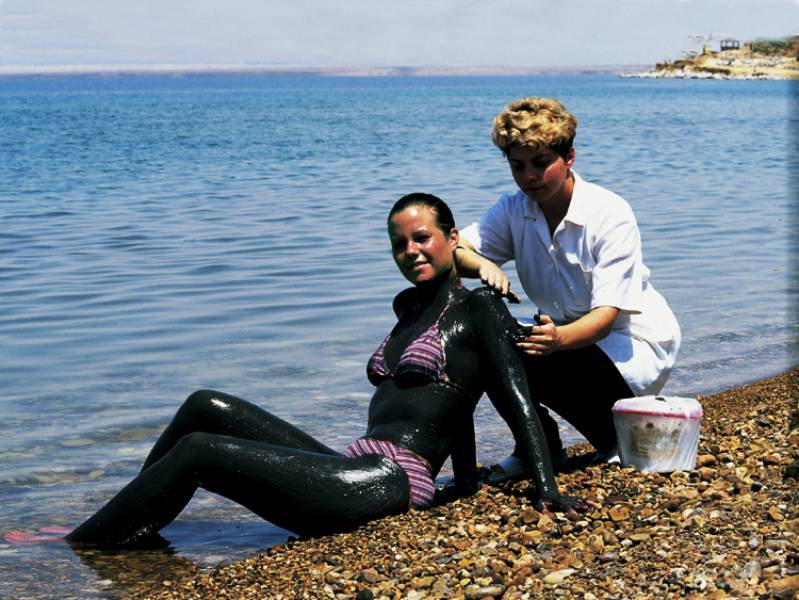 как лечить грязью мертвого моря суставы