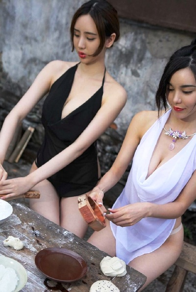 Верите, что это самые обычные девушки глухой китайской деревушки? Вот и нам не верится...