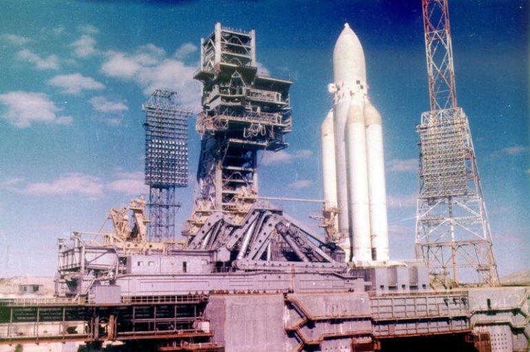 Роскосмос: «Догнать и перегнать Илона Маска!»