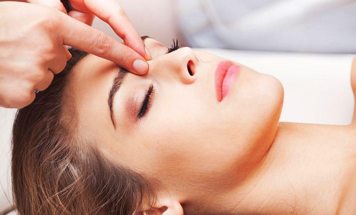 Быстрый и действенный способ снять головную боль