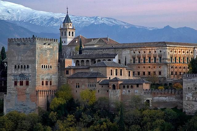Дворец Альгамбра в Гранаде, Испания