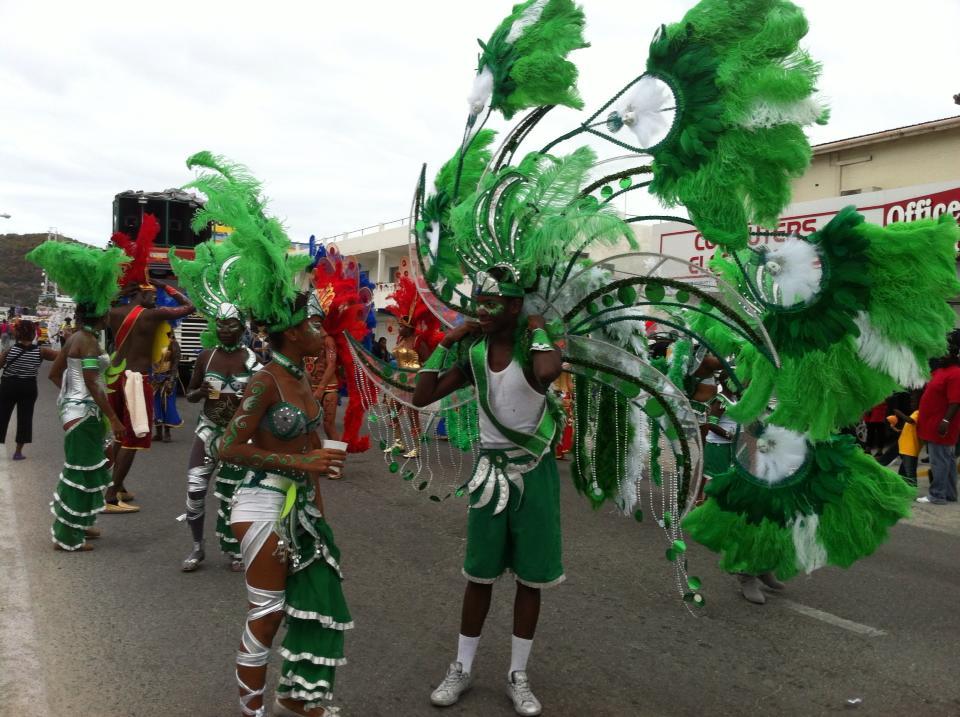 Из офиса на карнавал